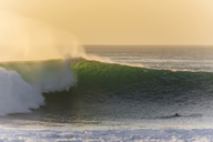 Indonesia, Bali, Surfer and big wave - KNTF01052