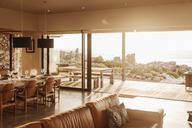Sunny home showcase open to patio - HOXF03310