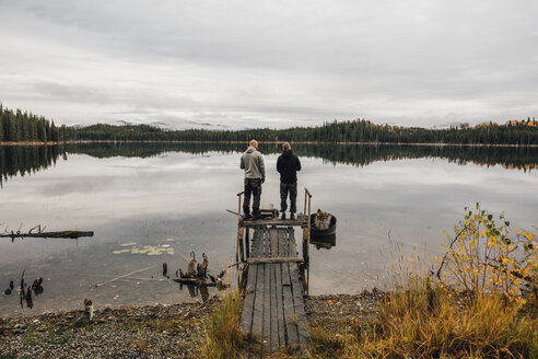 Canada, British Columbia, two men at Blue Lake - GUSF00450