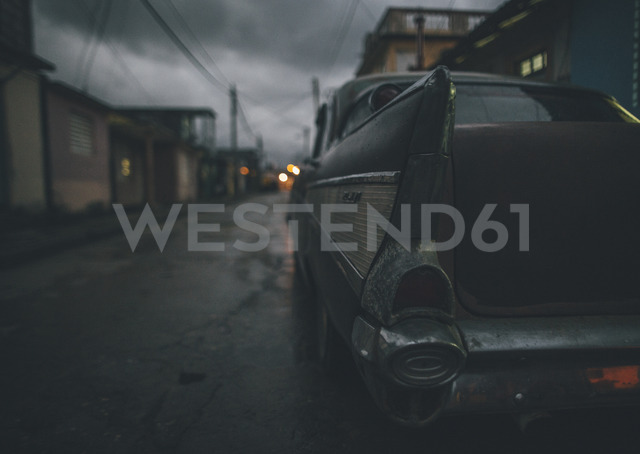 Cuba, Baracao, Close-up of a vintage car - GUSF00561