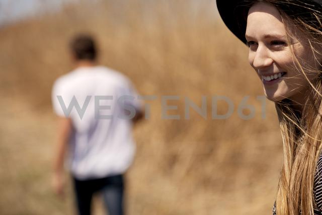 Smiling woman looking away - CAVF05990 - Cavan Images/Westend61