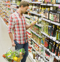 Man shopping in grocery store - CAIF15614