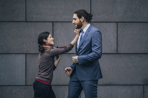 Businessman and woman fighting - JSCF00098