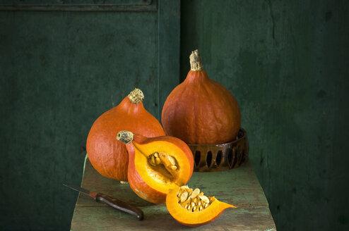 Whole and sliced Hokkaido pumpkin - ASF06157