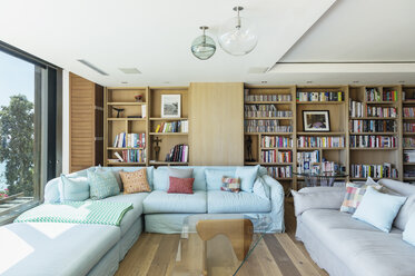 Living room - CAIF17116
