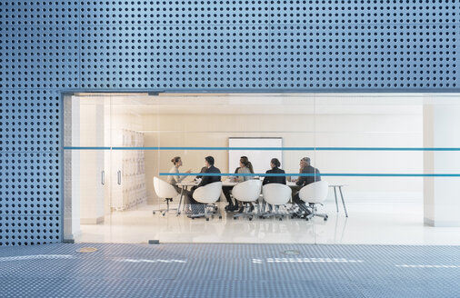 Business people meeting in modern conference room - CAIF18268