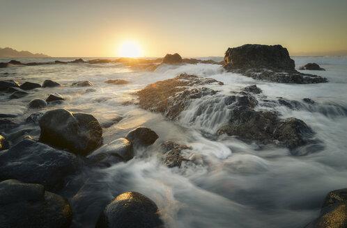 Spain, Canary Islands, Gran Canaria, Puerto de las Nieves, sunset at the coast - STCF00436