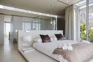 Modern bedroom - CAIF19955