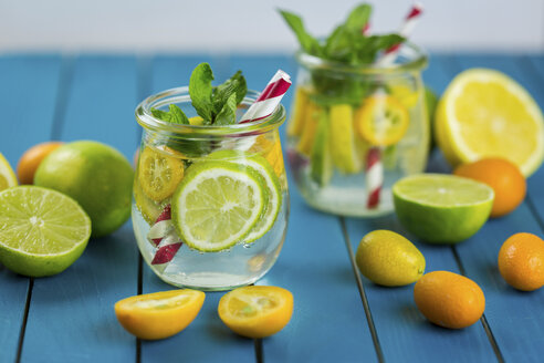 Infused water with lime, lemon, kumquat and mint - JUNF01022