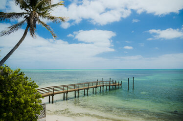 USA, Florida Keys, boardwalk - STCF00556