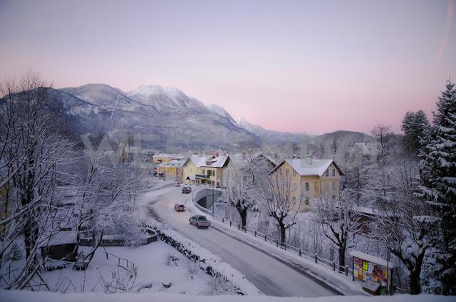 Austria, Salzkammergut, Bad Ischl in winter at daybreak - STCF00580