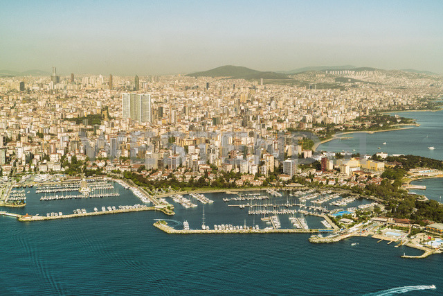 Turkey, Aerial view of the Asian part of Istanbul - TAMF00982