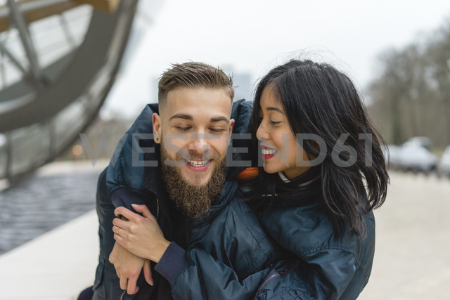 France, Paris, happy young couple - AFVF00369