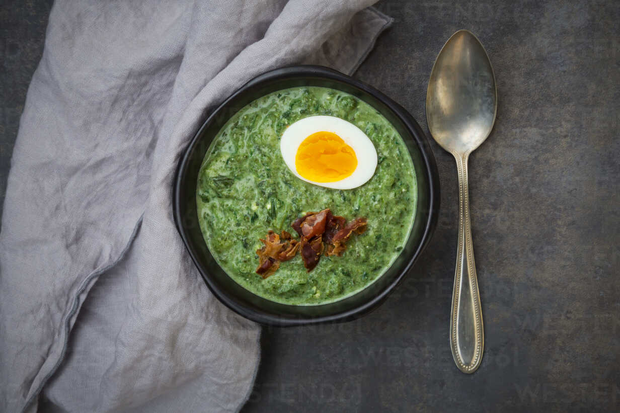 Cream Of Spinach Soup With Egg And Bacon Lvf06825 Larissa Veronesi Westend61