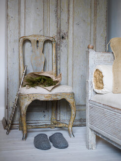 Rustic chair, flute, slippers and pine branches - FOLF00397