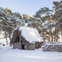 Hut with thatched roof in winter - FOLF01789