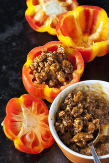 Tiger bell pepper stuffed with mincemeat - CSF29033