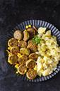 Veggie burgers and potato salad - CSF29042