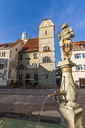 Germany, Baden-Wuerttemberg, Ueberlingen, Old town, Hofstatt, townhall, Cafe at townhall, Fountain with statue of Charles V - WDF04540