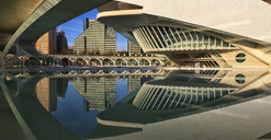 Spain, Valencia, Panoramic view of Palau de les Arts Reina Sofia - OLE00074