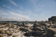 France, Brittany, Guisseny, rocks at the coast - GUSF00583