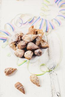 Mutzenmandeln, traditional Rhenish carnival cookies - SBDF03497