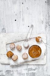 Donut holes with caramel sauce - SBDF03500