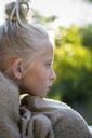 Portrait of pensive girl wrapped in blanket - FOLF07014