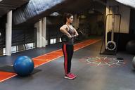 Young woman exercising at gym - FOLF07095