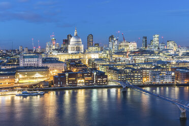 UK, London, Millennium Bridge and St Paul's Cathedral aerial view at dusk - WPEF00155