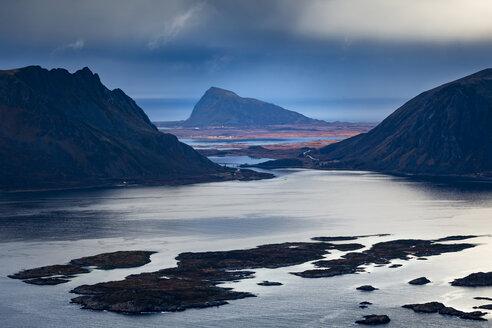 Norway, Lofoten Islands, Henningsvaer - WVF00985