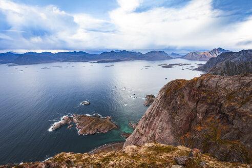Norway, Lofoten Islands, Henningsvaer - WVF00991