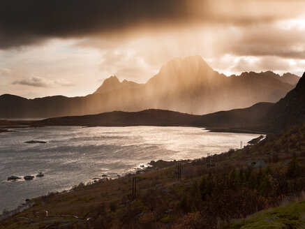 Norway, Lofoten Islands, Rainfall near Kvalvika Beach - WVF01012