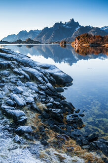Norway, Lofoten Islands, coast and sea - WVF01030