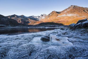 Norway, Lofoten Islands, winter landscape - WVF01055