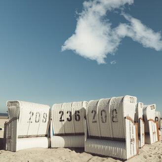 Germany,  Spiekeroog, hooded beach chairs - DWIF00917