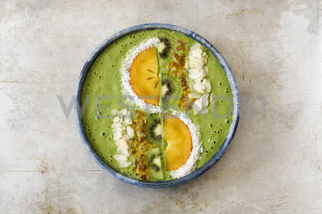 Smoothie Bowl with kiwi and kaki - EVGF03346