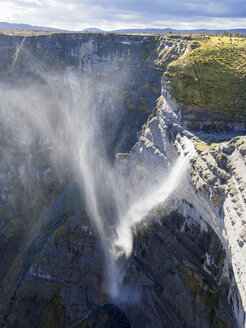 Spain, Basque Country, Euskadi, Waterfall of Nervion source, Canyon del Nervion - LAF02001