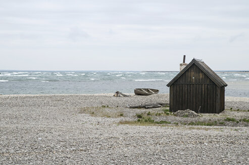 Wooden cabin on beach - MASF03796