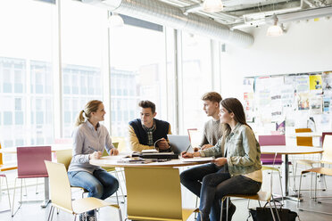 Students studying in university classroom - MASF03892