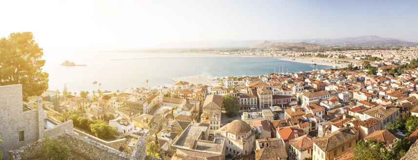 Greece, Peloponnese, Argolis, Nauplia, View to old town and Bourtzi Castle - MAMF00017