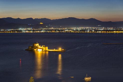 Greece, Peloponnese, Argolis, Nauplia, Argolic Gulf, View to Bourtzi Castle in the evening - MAMF00020