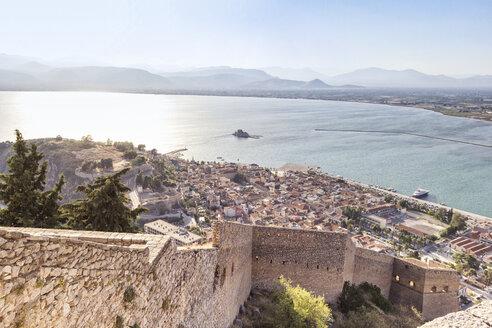 Greece, Peloponnese, Argolis, Nauplia, View from Akronauplia to old town and Bourtzi Castle - MAMF00026