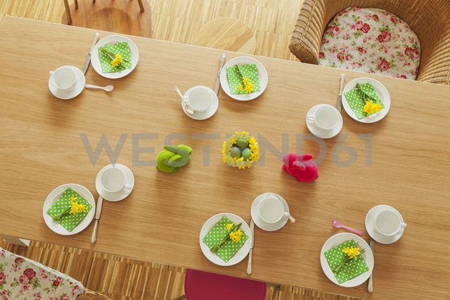 Laid Easter table - GWF05512