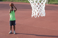 Young man playing basketball - FMOF00349