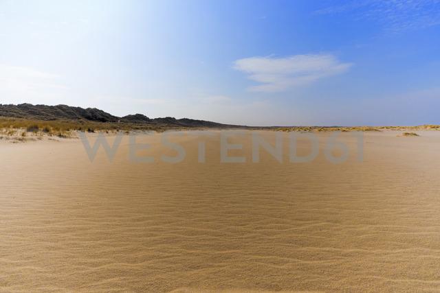 Germany, Schleswig-Holstein, Sylt, Westerland, beach at Ellenbogen - KLR00582