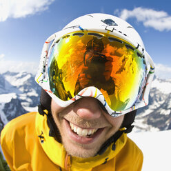 Close-up portrait of skier smiling - MASF06655