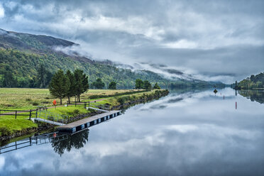 United Kingdom, Scotland, Highlands, Caledonian Canal - STS01503