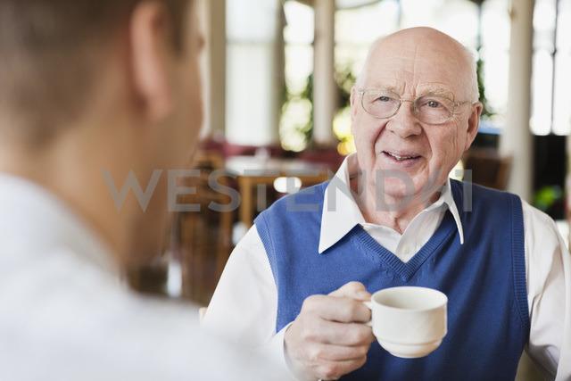 Elderly man drinking coffee - MASF07027