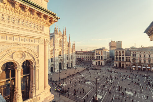 Italy, Lombardy, Piazza del Duomo in Milan seen from the Galleria Vittorio Emanuele II - TAMF01050
